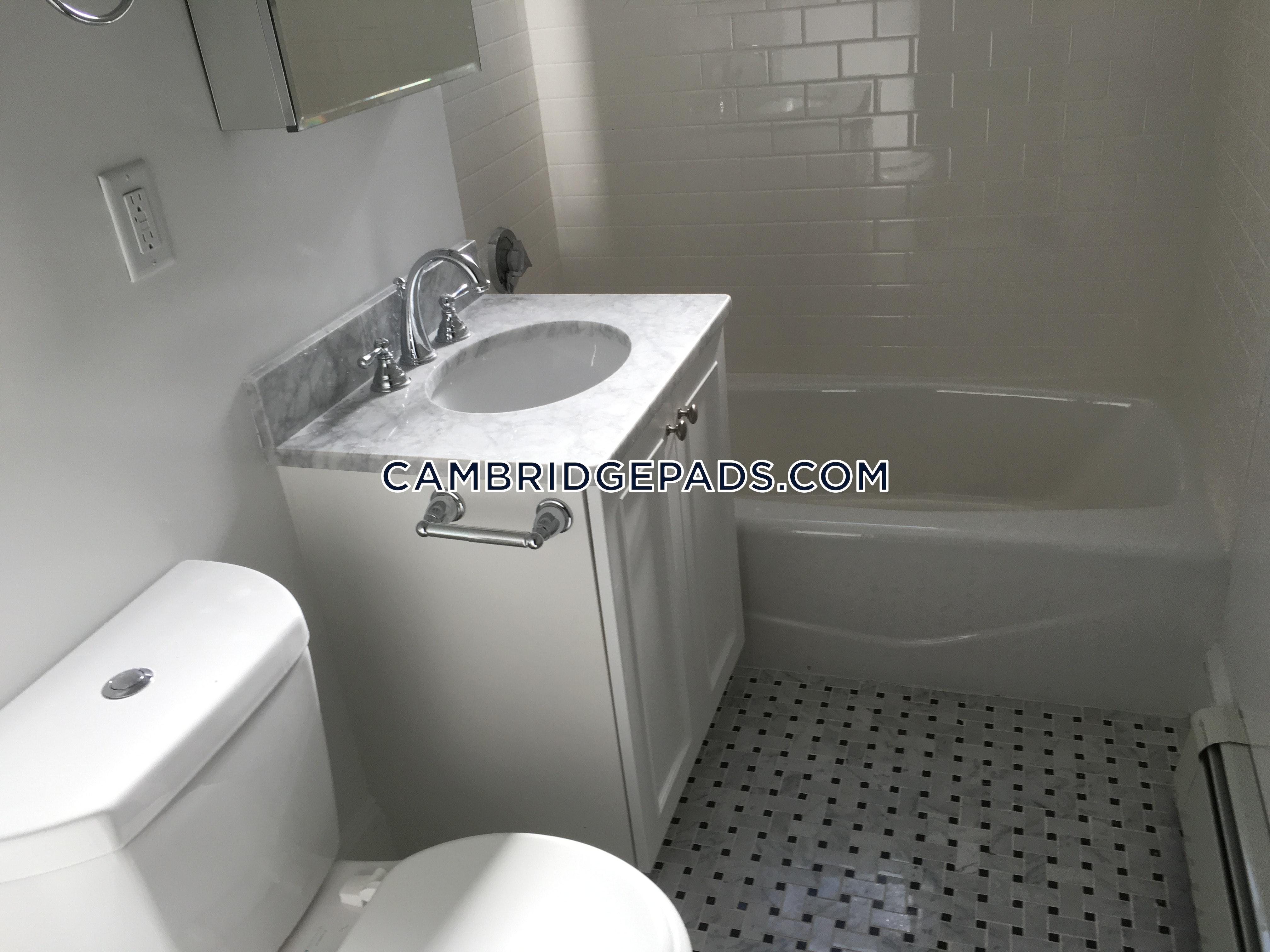 Cambridge - $2,610