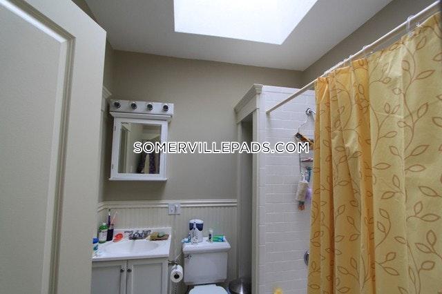 4-beds-2-baths-somerville-dali-inman-squares-3890-87958