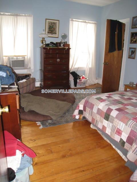 1-bed-1-bath-somerville-dali-inman-squares-2425-439677