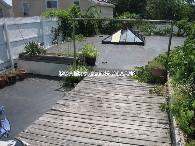 nice-2-bed-1-bath-in-a-great-somerville-location-somerville-davis-square-3000-394064