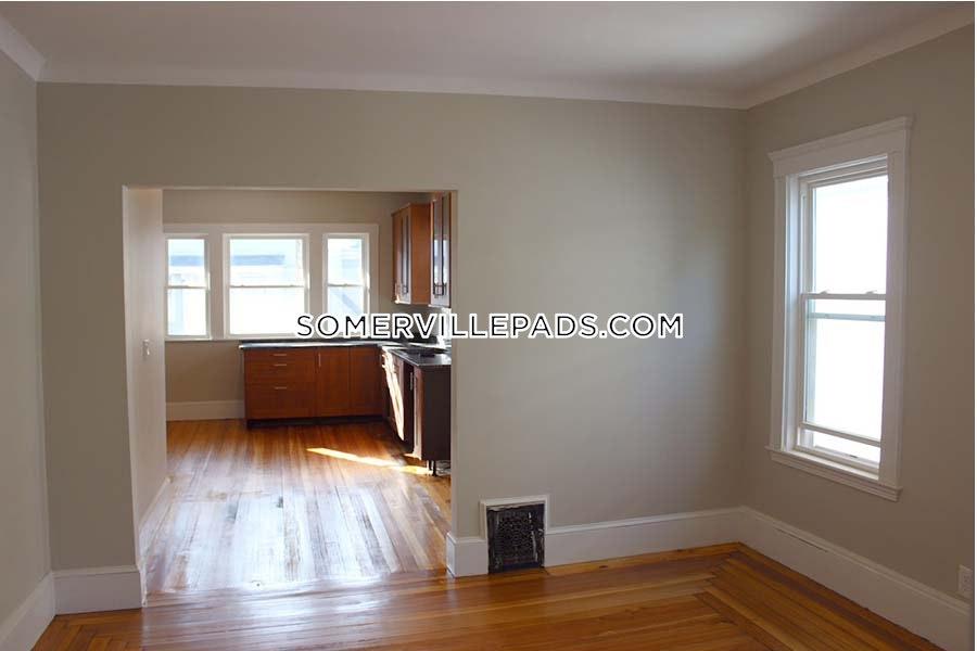 4-beds-2-baths-somerville-davis-square-5500-429550