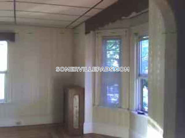 great-somerville-2-bed1-bath-available-now-somerville-east-somerville-2100-390146