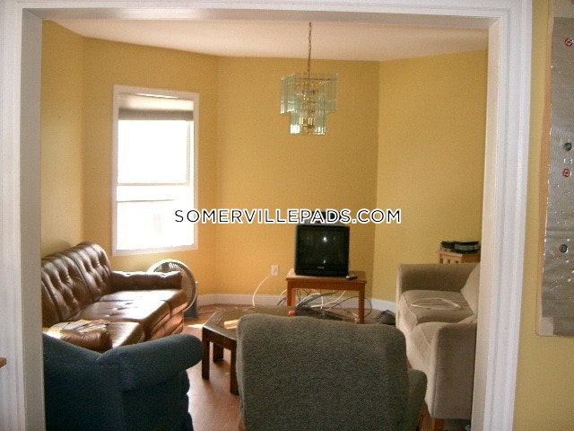 5-beds-2-baths-somerville-spring-hill-4800-375074