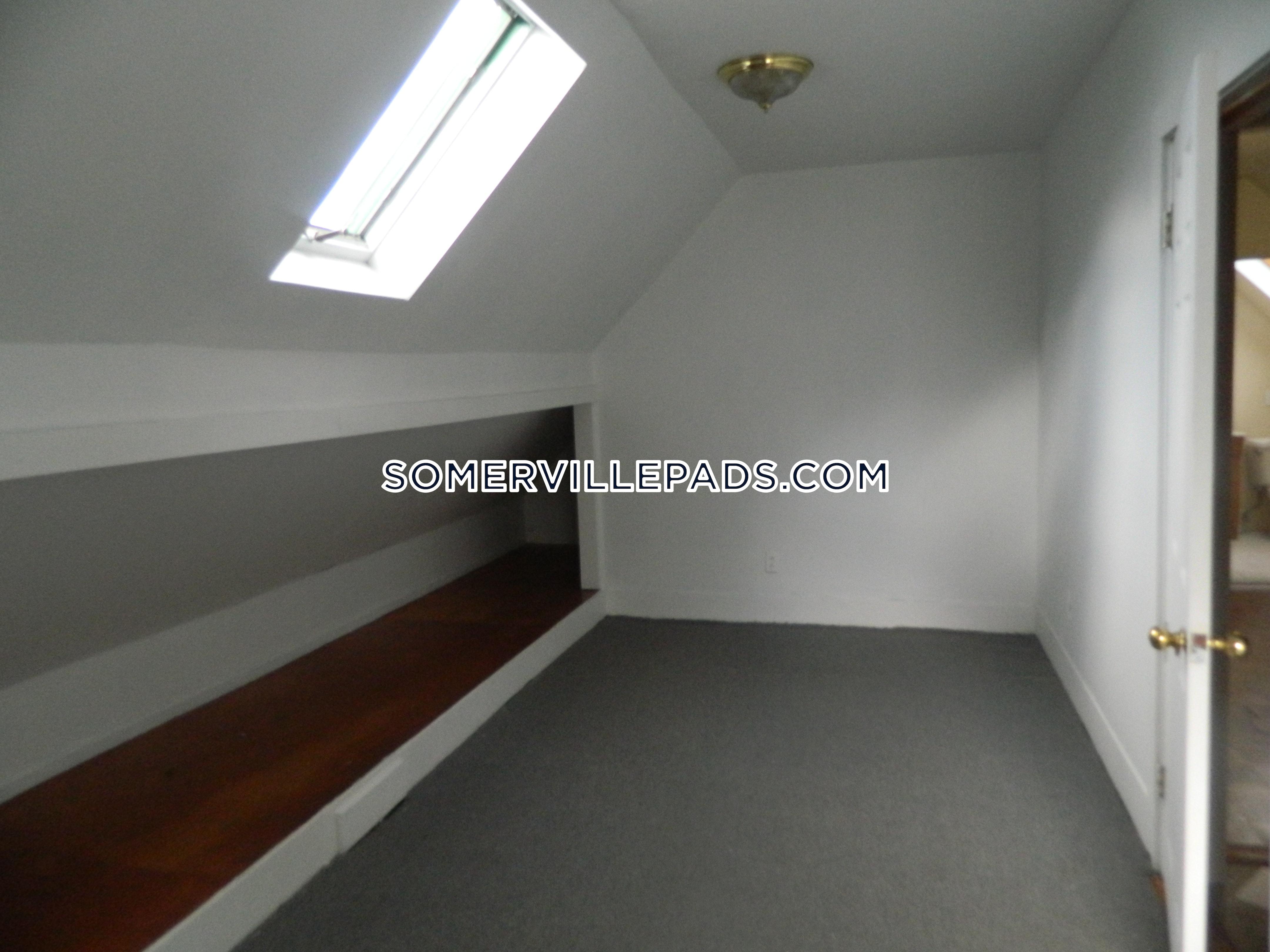 6-beds-2-baths-somerville-spring-hill-4500-428958
