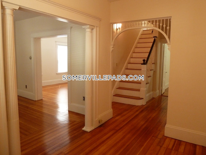 2-beds-1-bath-somerville-tufts-2850-430268