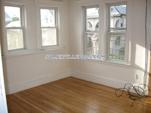 somerville-great-4-bed-2-bath-on-bailey-st-tufts-3500-3739935