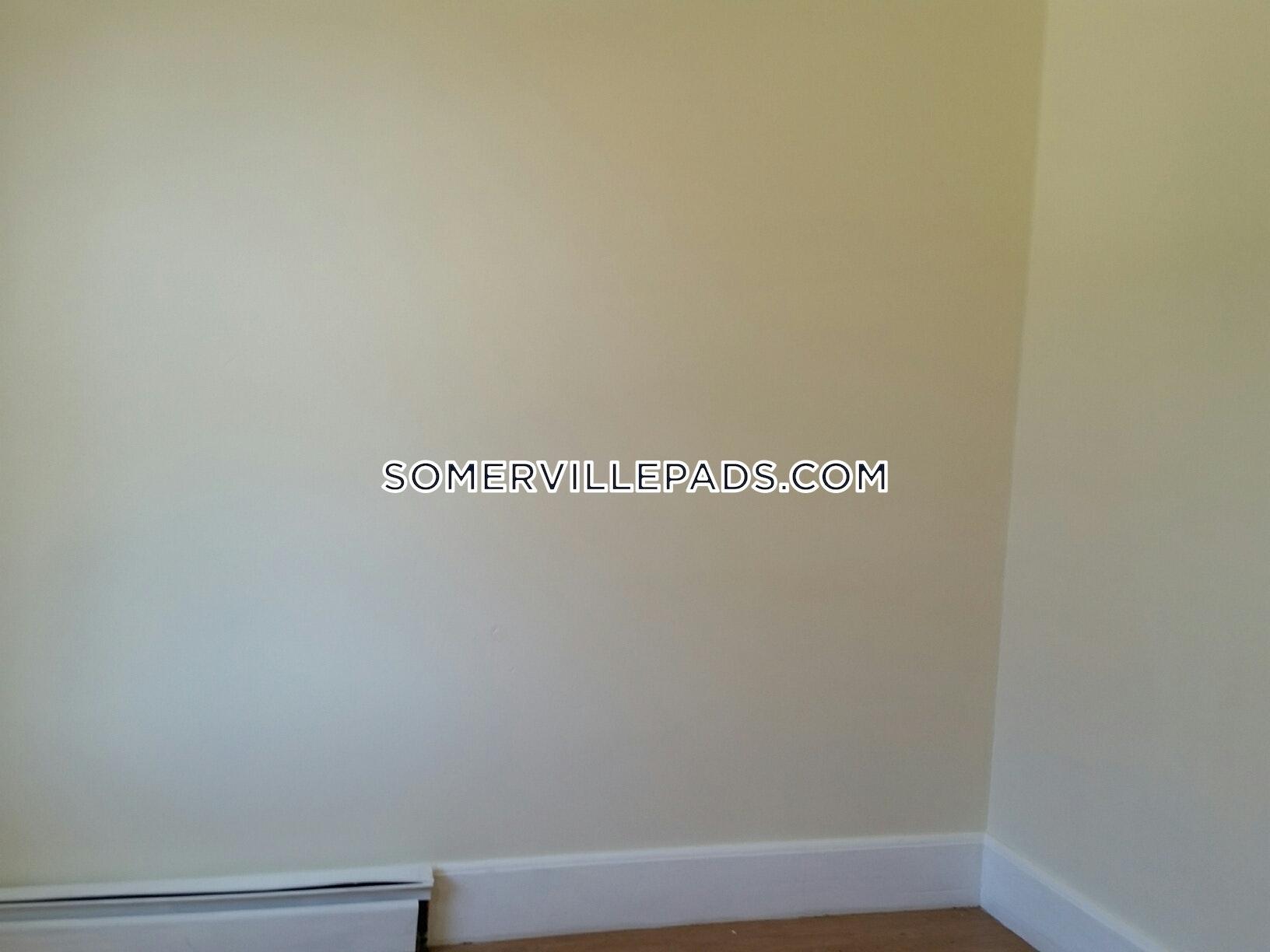 3-beds-1-bath-somerville-winter-hill-2500-448111