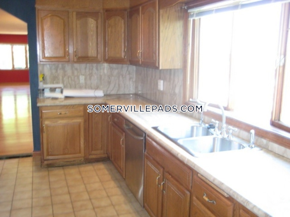 super-awesome-2-bed-2-bath-renovated-unit-in-somerville-winter-hill-3000-somerville-winter-hill-2900-389779