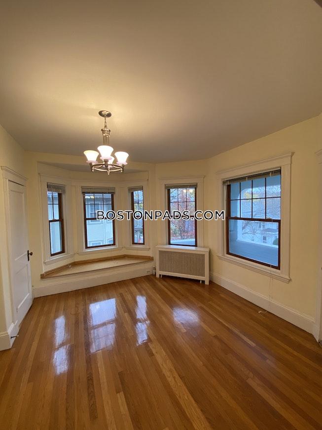 Arlington - $3,800 /mo