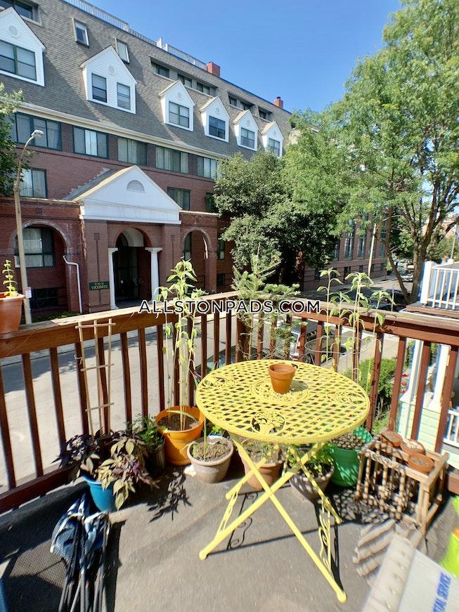 BOSTON - ALLSTON - $3,000 /mo