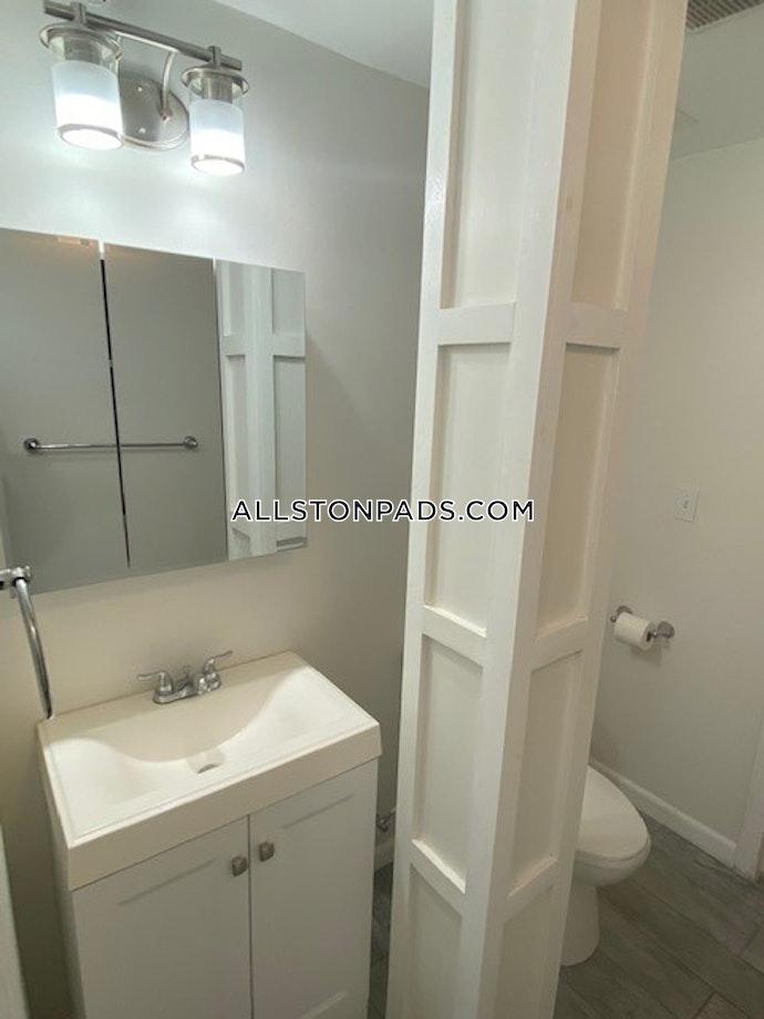 Boston - 4 Beds, 2 Baths