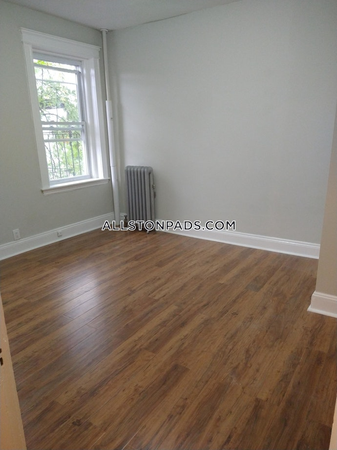 Boston - 0 Beds, 1 Baths