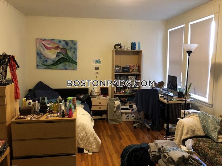 Commonwealth Ave. Boston picture 2