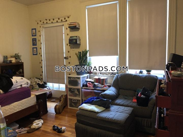 Commonwealth Ave. Boston picture 1