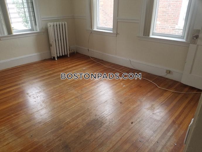 BOSTON - ALLSTON - 3 Beds, 1 Baths