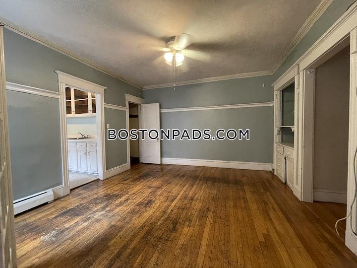 Quint Ave. Boston picture 8