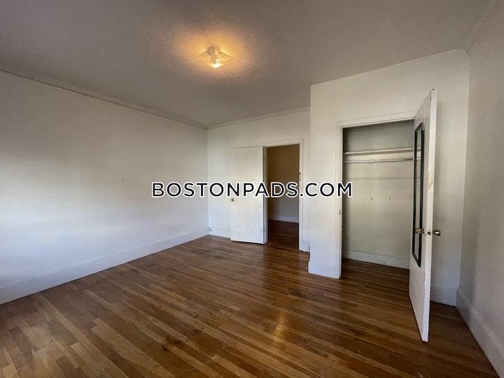 Quint Ave. Boston picture 10