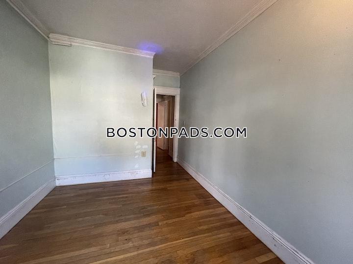 Quint Ave. Boston picture 12