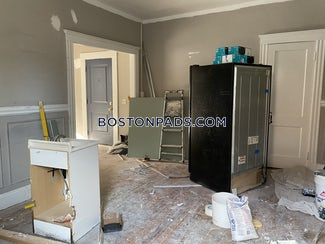 allstonbrighton-border-2-beds-1-bath-heat-and-hot-water-included-on-kelton-st-boston-1995-3754713