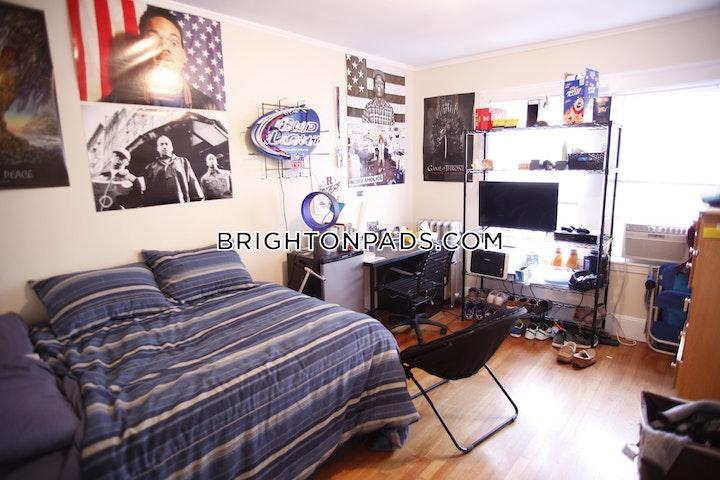 Radnor Rd. BOSTON - BRIGHTON - BOSTON COLLEGE picture 9