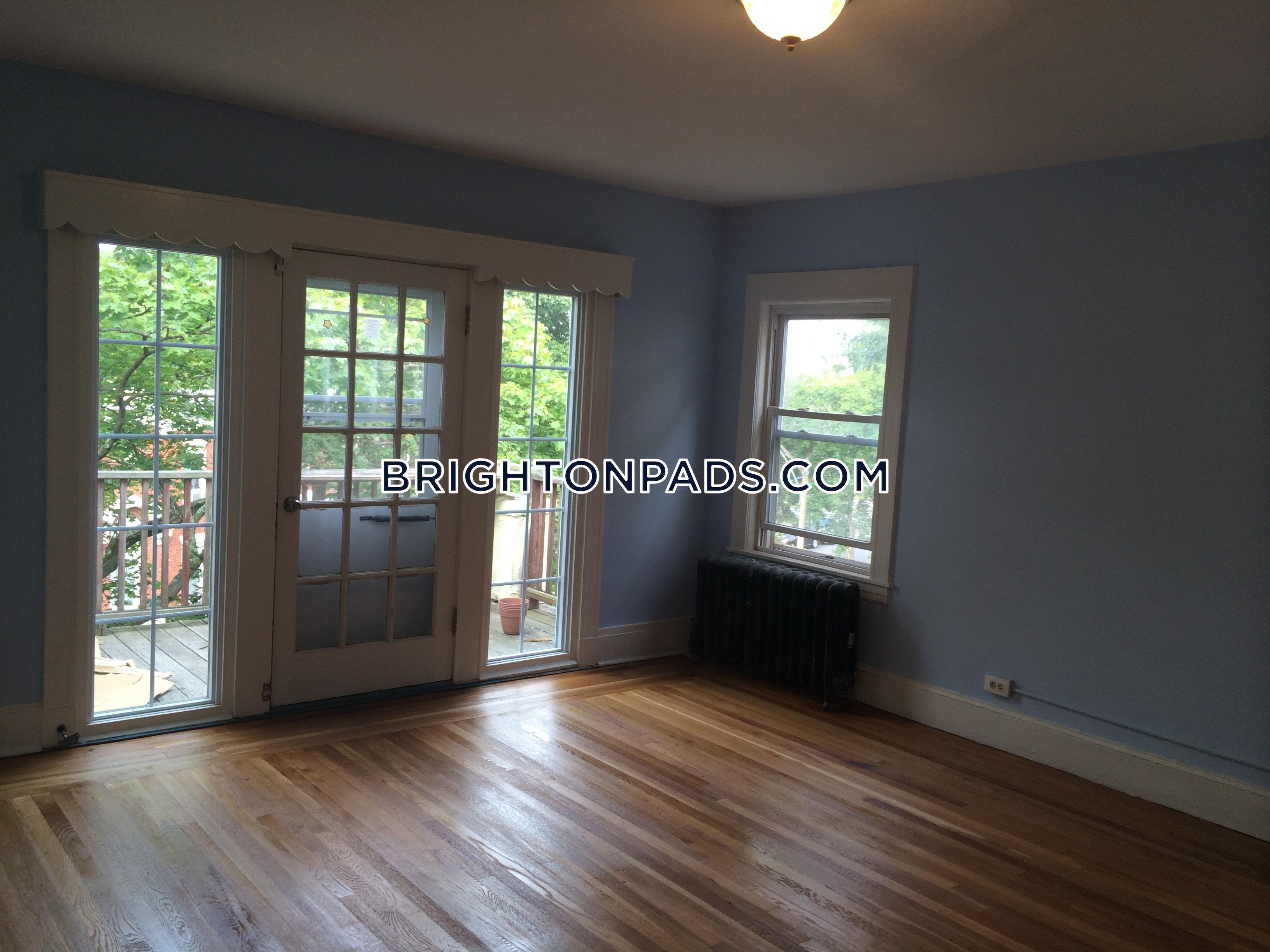 5-beds-2-baths-boston-brighton-boston-college-4350-382109
