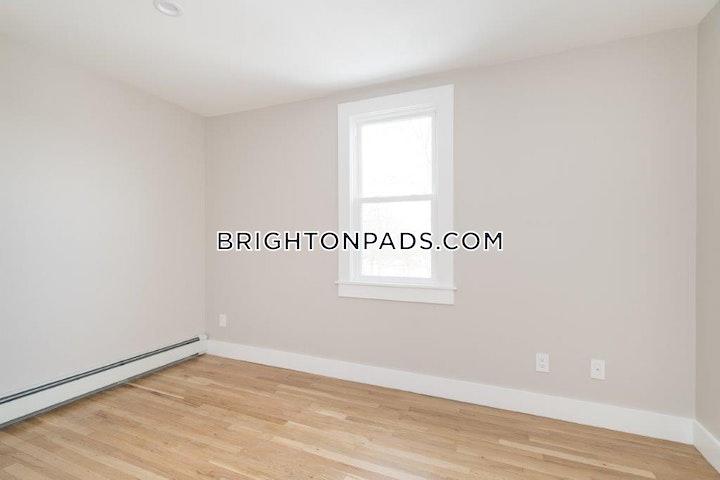 South St. BOSTON - BRIGHTON - BOSTON COLLEGE picture 2