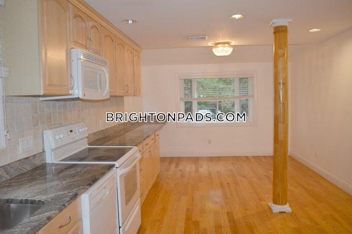 Undine Rd. BOSTON - BRIGHTON - BOSTON COLLEGE picture 1