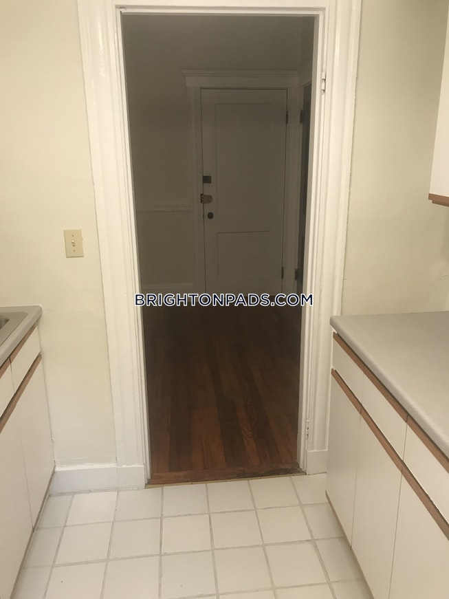 Boston - $1,700 /mo