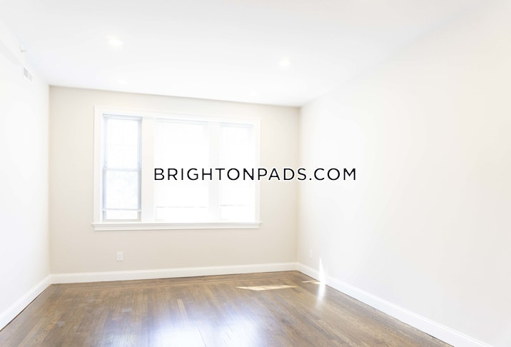 brighton-beautiful-2-bed-15-bath-on-commonwealth-ave-boston-3900-2531373