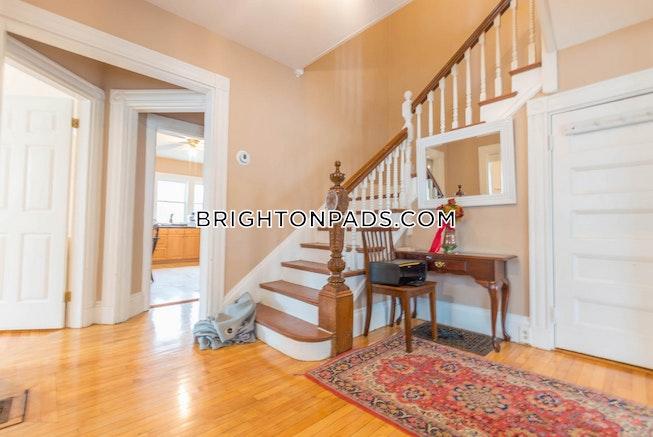 Boston - $3,795 /mo