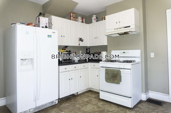 brighton-apartment-for-rent-4-bedrooms-2-baths-boston-2695-518759