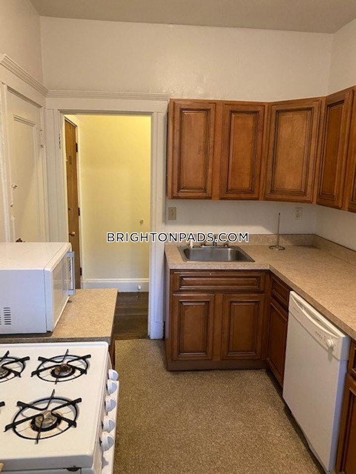 brighton-apartment-for-rent-2-bedrooms-1-bath-boston-2195-619154