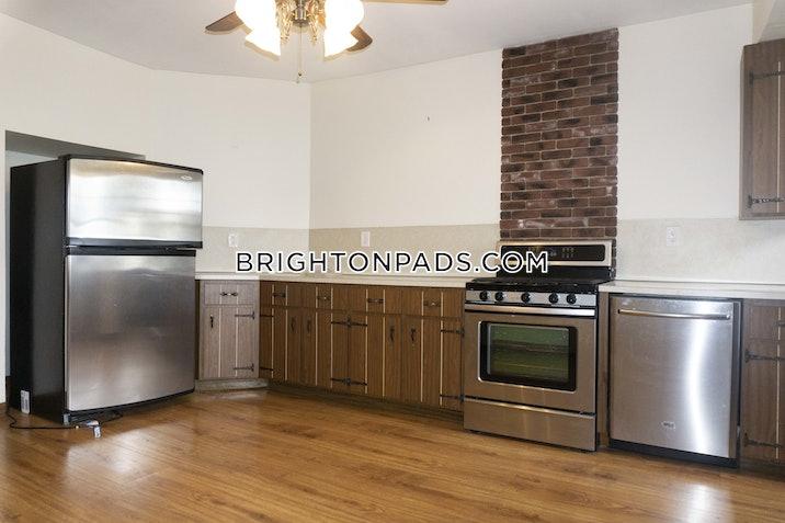 Dighton St. BOSTON - BRIGHTON - BRIGHTON CENTER