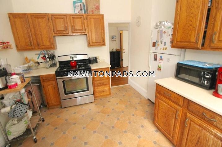 brighton-apartment-for-rent-3-bedrooms-1-bath-boston-3000-540361