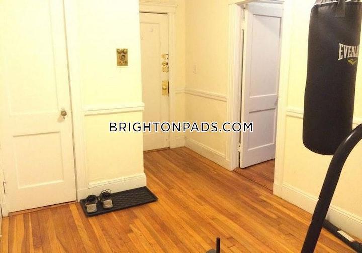 Lothian Rd. BOSTON - BRIGHTON - CLEVELAND CIRCLE picture 4
