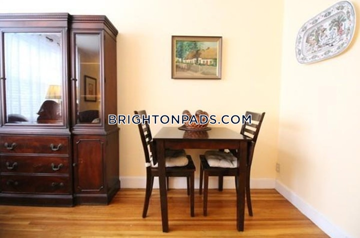 Chiswick Rd. BOSTON - BRIGHTON - CLEVELAND CIRCLE picture 8