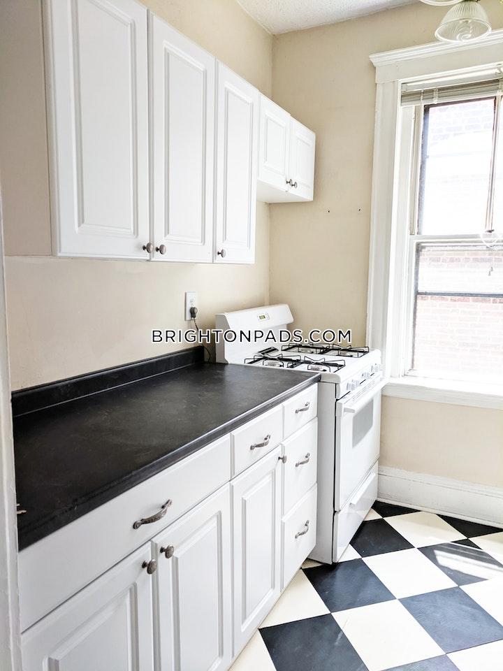 Lothian Rd. BOSTON - BRIGHTON - BOSTON COLLEGE picture 2