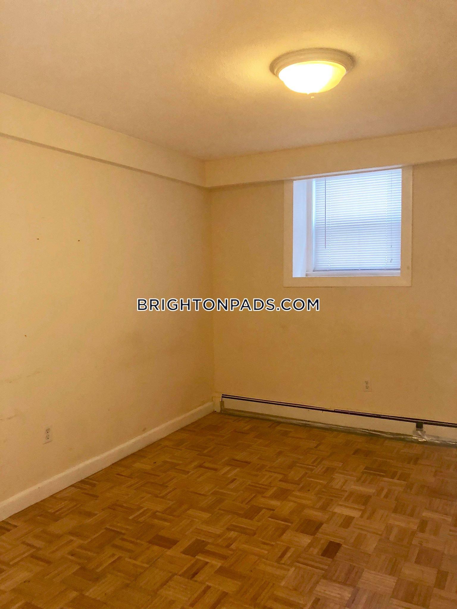 brighton-apartment-for-rent-3-bedrooms-1-bath-boston-2450-454986