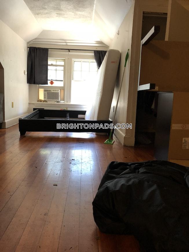 BOSTON - BRIGHTON - CLEVELAND CIRCLE - $1,600 /mo