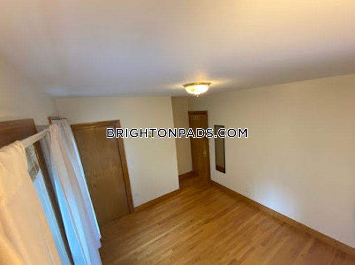 brighton-apartment-for-rent-5-bedrooms-25-baths-boston-4700-48826