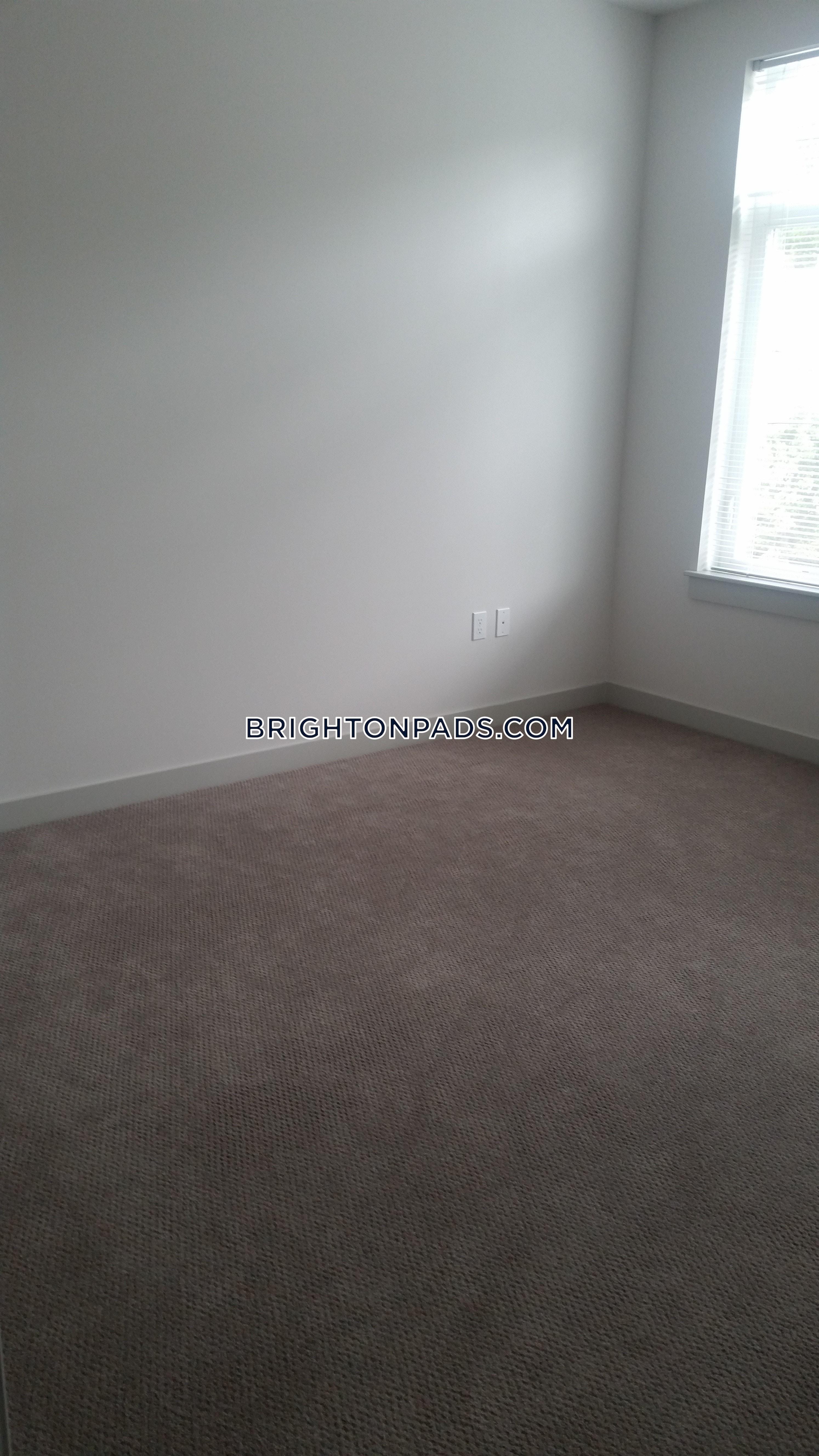 2-beds-2-baths-boston-brighton-oak-square-3775-386637