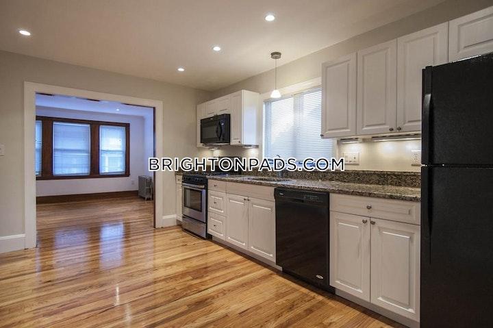Greymere Rd. BOSTON - BRIGHTON - OAK SQUARE picture 1