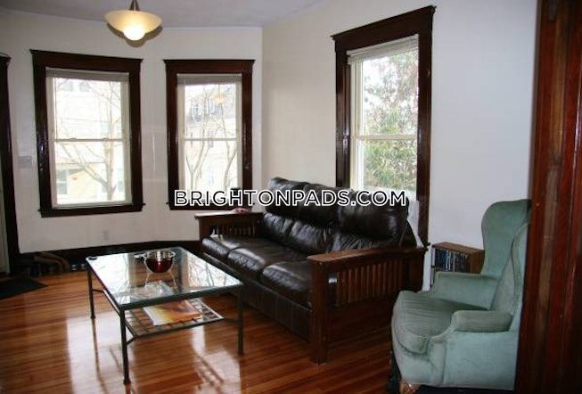 BOSTON - BRIGHTON - OAK SQUARE - $3,300 /mo