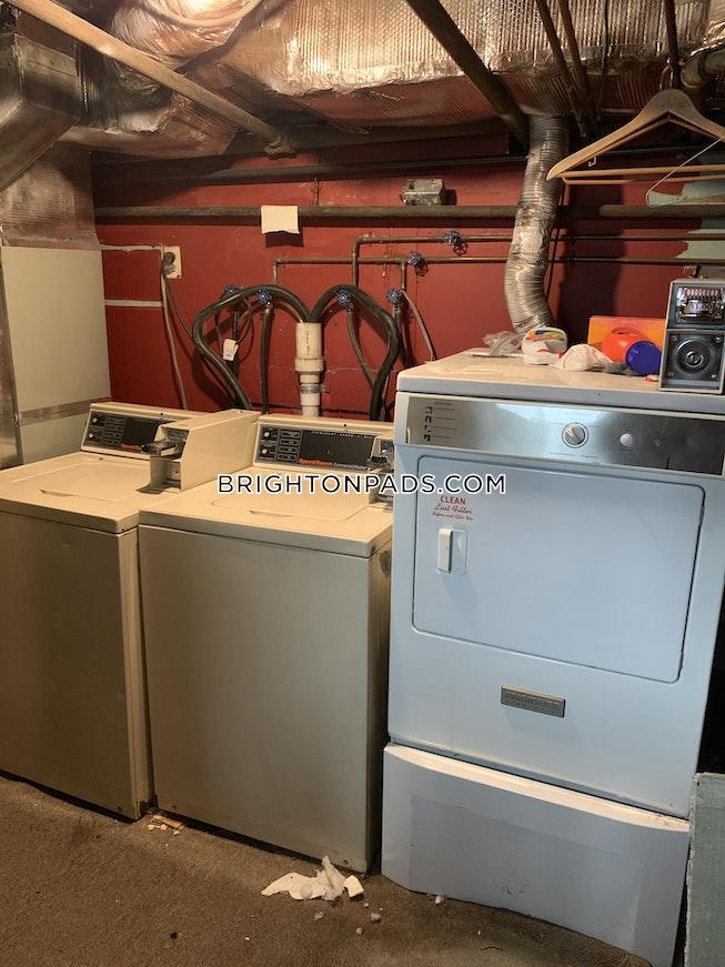 BOSTON - BRIGHTON - OAK SQUARE - $2,550 /mo