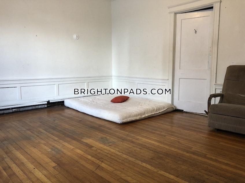 Boston - $3,600 /month