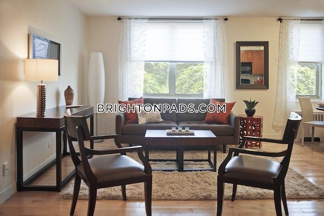 Boston - $3,700 /mo