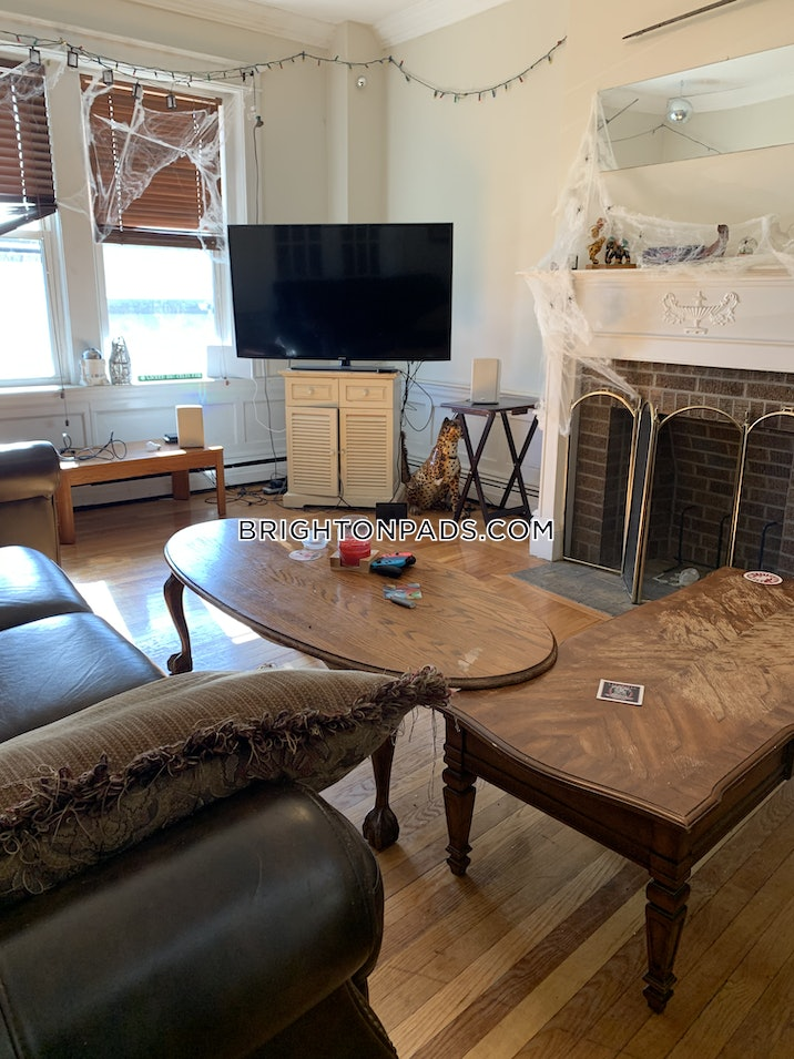 brighton-beautiful-3-bed-1-bath-on-commonwealth-ave-avail-91-boston-2850-592132