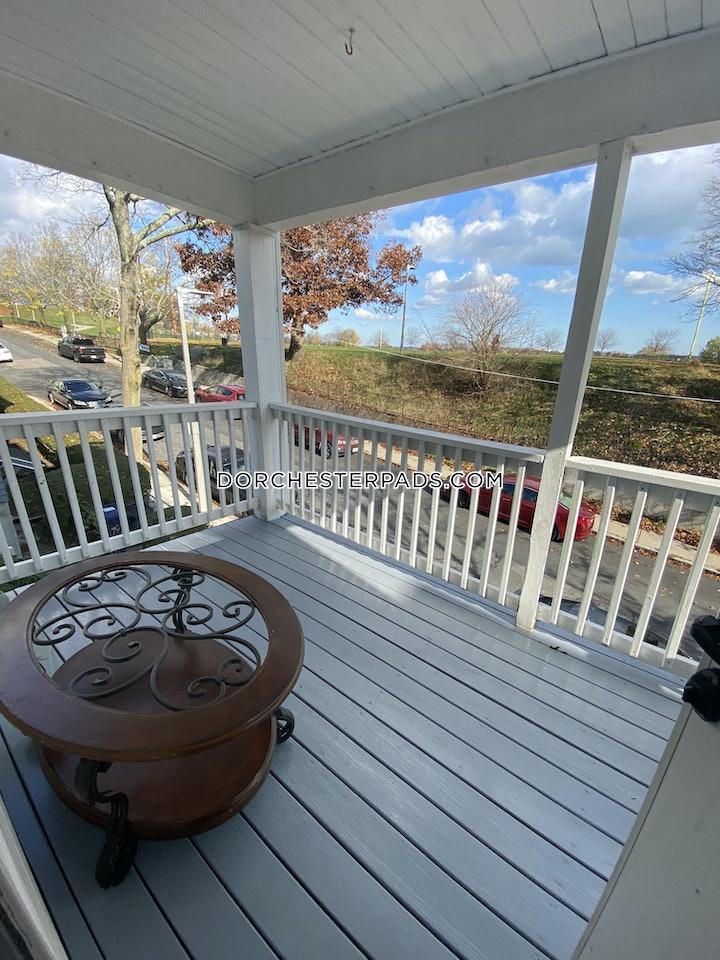 dorchester-spacious-35-bedroom-apartment-boston-2300-3701207