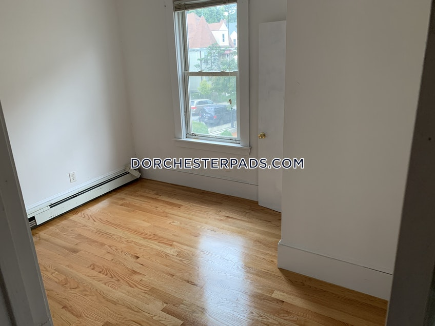 Boston - $2,900 /month