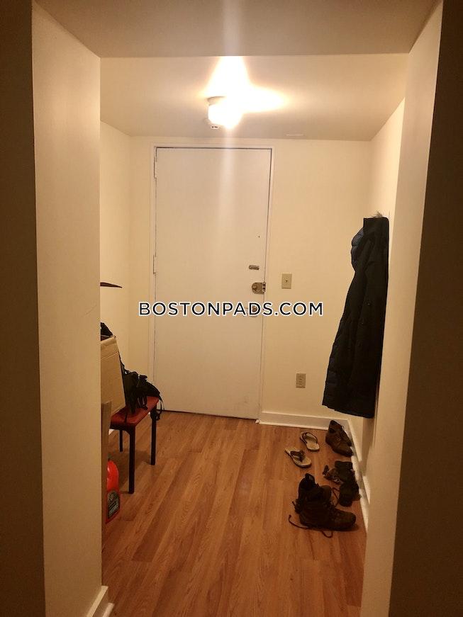 Boston - $2,600 /mo
